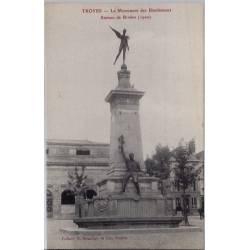 10 - Troyes - Le Monument des bienfaiteurs - Statues de Briden - Non voyagé ...