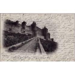 11 - Cité de Carcassonne - Montée de la porte de l'Aude - Voyagé - Dos non d...