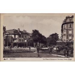 11 - Rodez - La place d'Armes et l' Avenue Victor Hugo - Non voyagé - Dos di...