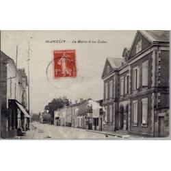 17 - St- Aigulin -  la Mairie et les écoles- Voyagé - Dos divisé...