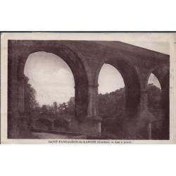 19 - Saint-Pantaléon-de-Larche - Les 2 ponts - Voyagé - Dos divisé...