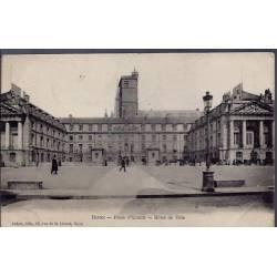 21 - Dijon - Place d' Armes - Hôtel de Ville- Voyagé - Dos divisé...