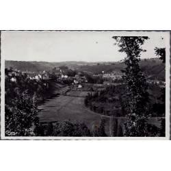 23 - Aubusson - Vue générale - un joli coin sur la Vallée - Voyagé - Dos di...