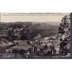24 - Vallée de la Dordogne à Castelnaud - en face sur le flanc de la collin...