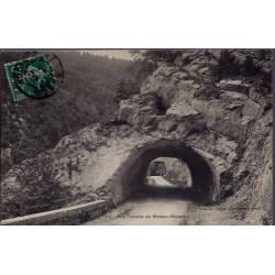 25 - Les tunnels de Maison-Monsieur - Voyagé - Dos divisé...