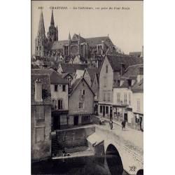 28 -  Chartres - La Cathédrale - Vue prise du Pont Bouju - Non voyagé - Dos...