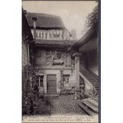 28 - Evreux - La maison du Grand-Veneur - La Cour intérieure - ancien rende...