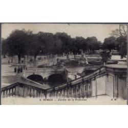 30 - Nîmes - jardins de la Fontaine - Voyagé - Dos divisé...