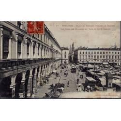 31 - Toulouse - Place du Capitole pendant le marché - Voyagé - Dos divisé...