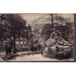 31 - Toulouse - Square Wilson - Statue de Goudouli - Non voyagé - Dos divis...