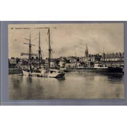 35 - Saint-Malo - l' Avant-Port - Voyagé - Dos divisé...