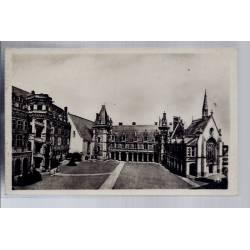 41 - Blois - Le château - La cour - Non voyagé - Dos divisé...