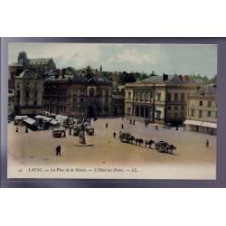 53 - Laval - La place de la Mairie - L' Hôtel des Postes - Non voyagé - Dos d