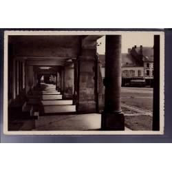55 - Stenay - Les Arcades - Voyagé - Dos divisé