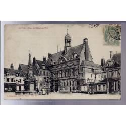 60 - Noyon - Place de l' Hôtel de Ville - Voyagé - Dos divisé