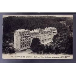 61 - Bagnoles-de-l'Orne - Le nouvel Hôtel des Bains - vue prise du parc - Voy