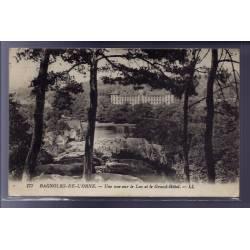 61 - Bagnoles-de-l'Orne - Une vue sur le lac et le Grand Hôtel - Voyagé - Dos