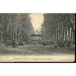 60 - Compiegne - Le parc et le kiosque de musique