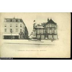 60 - Compiegne -Place de l'hotel de ville -Jeanne d'Arc