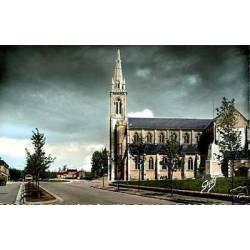 61 - Gace - Eglise et boulevard de Tahiti - CPSM