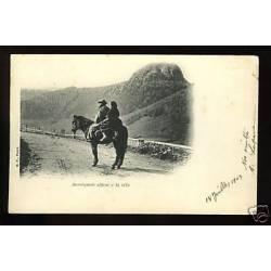 63 - Auvergnats allant à la ville à cheval
