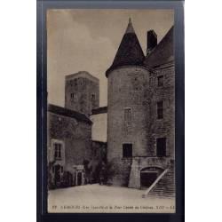 77 - Nemours - Une tourelle et la tour caviée du château XIIIe siècle - Voy