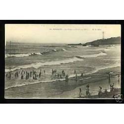 64 - Biarritz - La plage à l'heure du bain
