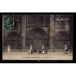 93 - Abbaye de St-Denis - les Trois Portes - Voyagé - Dos divisé