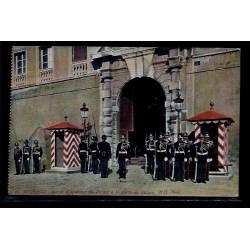 Monaco - Garde d' Honneur du Prince à la porte du Palais - Non voyagé - Dos