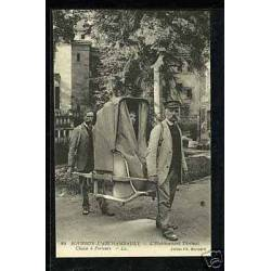 03 - Bourbon-l'Archambault - Chaise à porteurs